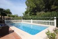Luxuriöse 2 SZ Villa mit herrlichem Panoramablick in Orba - Beheizbarer Pool