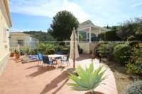 Luxuriöse 2 SZ Villa mit herrlichem Panoramablick in Orba - Carport