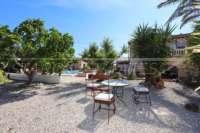 Somptueuse « Finca » entre palmiers et orangeraies à Ondara - Coin terrasse confortable