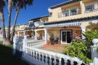 Maison mitoyenne de 3 chambres avec climatisation et piscine communautaire à Els Poblets - Espace extérieur privé