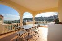Top gepflegte 3 SZ Villa in bester Bauqualität mit herrlichem Blick in Orba - Terrasse