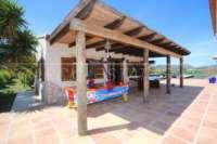 Finca de lujo soleada y privada con fantásticas vistas en Benidoleig - Terraza casa de verano