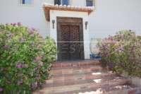 Finca de lujo soleada y privada con fantásticas vistas en Benidoleig - Puerta de entrada