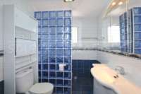 Villa à moderniser à seulement 400 m de la mer à Els Poblets - Salle de bain avec douche