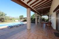 Spanische Finca mit Gästehaus in Benidoleig - Blick auf den Pool