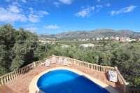 Schöne Villa mit Pool und Blick auf das Orba-Tal - Blick in die Berge