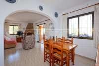 Schöne Villa mit Pool und Blick auf das Orba-Tal - Wohnbereich