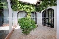 Villa mediterránea en una parcela privada con fantásticas vistas en Monte Pego - Patio