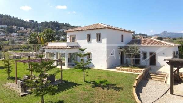 Neuwertige und moderne Finca im mediterranen Stil in Benidoleig, 03759 Benidoleig (Spanien), Finca