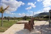 Neuwertige und moderne Finca im mediterranen Stil in Benidoleig - Offener Blick in die Natur