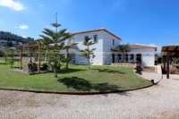Neuwertige und moderne Finca im mediterranen Stil in Benidoleig - Traumhafte Lage
