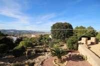 Moderne Villa auf privatem Grundstück mit Panoramablick am Monte Pego - Terrassierter Garten