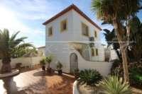 Moderne Villa auf privatem Grundstück mit Panoramablick am Monte Pego - Aussenansicht