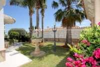 Private Luxusvilla in bester Lage von Denia mit atemberaubendem Panoramablick - Mediterraner Garten