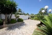 Private Luxusvilla in bester Lage von Denia mit atemberaubendem Panoramablick - Einfahrt