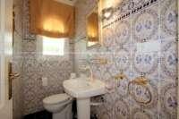 Private Luxusvilla in bester Lage von Denia mit atemberaubendem Panoramablick - Gäste WC