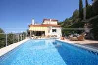Neuwertige Villa in Pedreguer mit diversen Extras und herrlichem Panoramablick - Haus in Pedreguer