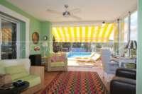 Neuwertige Villa in Pedreguer mit diversen Extras und herrlichem Panoramablick - Wintergarten