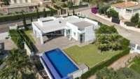 Moderne Luxusvilla mit Meerblick in Denia - Villa in Denia