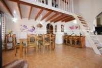 Jolie villa de 3 chambres sur un terrain plat avec une belle exposition au sud sur Monte Pego - Salle à manger