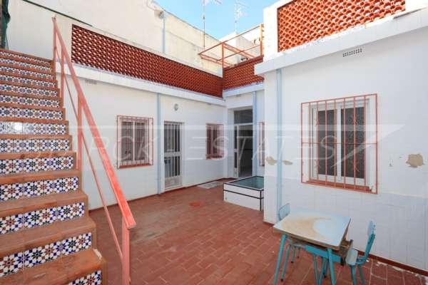 Amplia casa de pueblo en Ondara con patio, solárium y mucho potencial, 03760 Ondara (España), Casa urbana