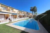 Adosado de 3 dormitorios céntrico con aire acondicionado y piscina comunitaria en Els Poblets - Adosado en Els Poblets