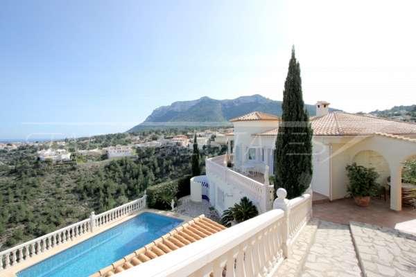 Elegante Villa in bester Wohnlage von Denia mit atemberaubendem Meerblick, 03700 Dénia (Spanien), Villa