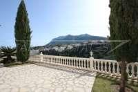 Elegante Villa in bester Wohnlage von Denia mit atemberaubendem Meerblick - Blick auf den Montgo