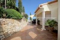 Elegante Villa in bester Wohnlage von Denia mit atemberaubendem Meerblick - Hauseingang