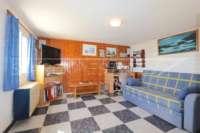 Chalet de bajo mantenimiento con apartamento de invitados y vistas al mar en Orba - Habitación de invitados