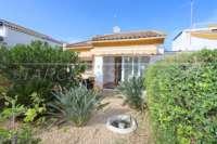 Maison mitoyenne d'angle avec jardin privé à seulement 400 m de la mer à El Ver - Maison à El Vergel