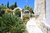 Klassische elegante Villa mit traumhaftem Panoramablick am Monte Pego - Garten