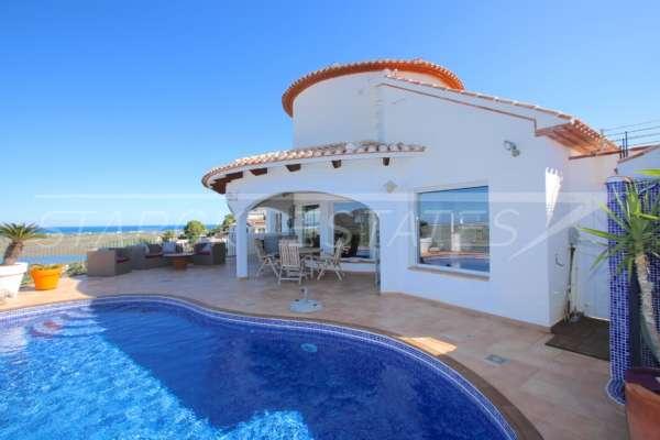 Villa de style moderne dans une position panoramique ensoleillée sur le Monte Pego, 03780 Pego (Espagne), Villa