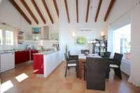 Villa de style moderne dans une position panoramique ensoleillée sur le Monte Pego - Salle à manger