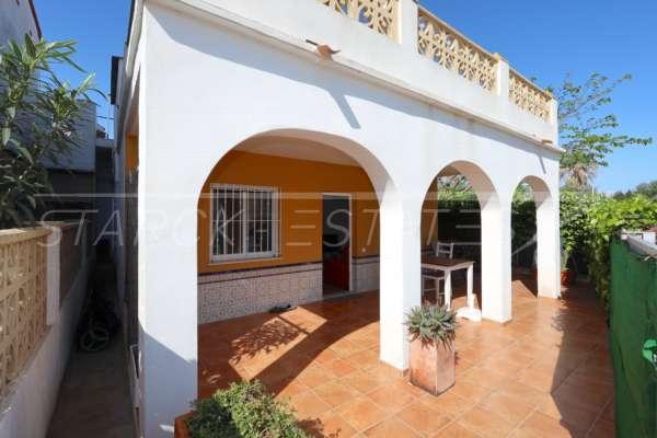 Confortable villa à Oliva Nova entre terrain de golf et dunes naturelles, 46780 Oliva Nova (Espagne), Villa