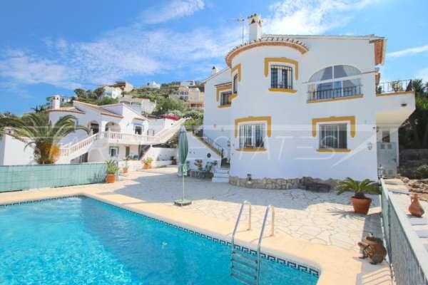 Villa parfaitement entretenue avec appartement séparé et piscine à Rafol d'Almunia, 03769 El Ràfol d'Almúnia (Espagne), Villa