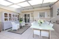 Chalet muy bien mantenido de 3 dormitorios en una parcela espaciosa en zona tranquila de Els Poblets - terraza acristalada