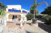 Großzügige Villa mit Wohlfühlcharakter und herrlichem Blick auf den Montgo in Denia - Eingang Gästeapartment