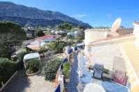 Espacioso chalet con un alto factor de bienestar y vistas impresionantes al Montgó en Denia - Terraza con vistas