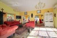 Espacioso chalet con un alto factor de bienestar y vistas impresionantes al Montgó en Denia - Salón