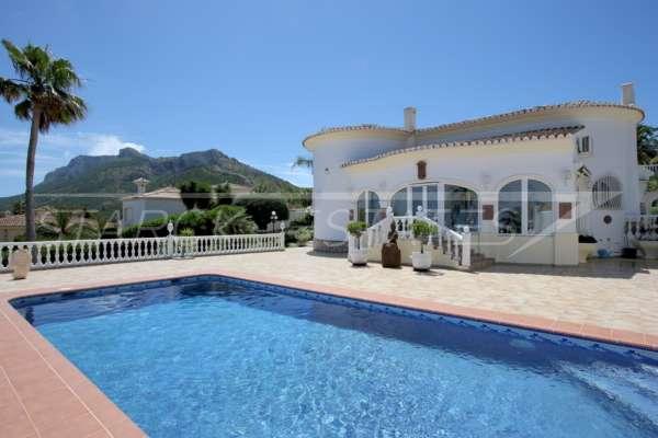 Chalet de lujo privado en zona privilegiada de Denia con impresionantes vistas panorámicas, 03700 Dénia (España), Villa
