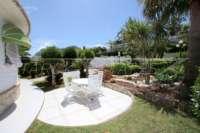 Chalet de lujo privado en zona privilegiada de Denia con impresionantes vistas panorámicas - terraza soleada