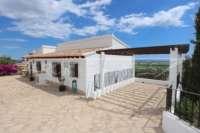 Villa con apartamento separado y vistas al mar en Monte Pego - Casa en Monte Pego