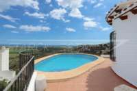 Villa con apartamento separado y vistas al mar en Monte Pego - Terraza de la piscina