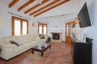 Villa con apartamento separado y vistas al mar en Monte Pego - Salón