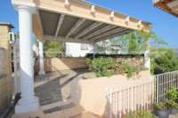 Chalet moderno en una preciosa posición panorámica con apartamento de invitados en Orba - Carport