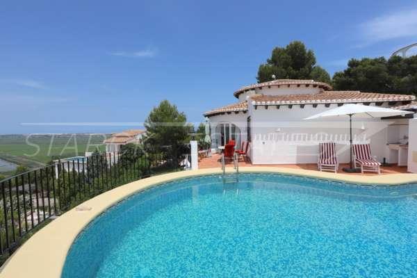 Top gepflegte 3 SZ Villa auf nahezu ebenem Grundstück mit traumhaftem Meerblick, 03789 Pego (Spanien), Villa
