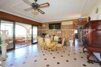 Großzügige Villa in ruhiger Lage mit herrlichem Blick nur 1 km von Denia Innenstadt - Esszimmer
