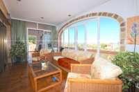 Großzügige Villa in ruhiger Lage mit herrlichem Blick nur 1 km von Denia Innenstadt - Verglaste Terrasse