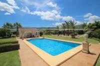 Paradiesisches Finca Anwesen in herrlicher Privatlage mit Blick in die Bergkette in Pedreguer - Schwimmbad